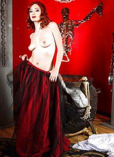 Откровенная фото сессия рыжеволосой молодой развратницы - фото #6