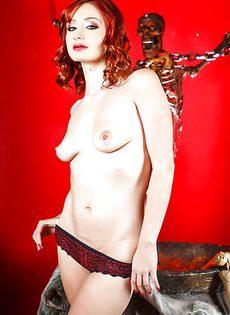 Откровенная фото сессия рыжеволосой молодой развратницы - фото #7