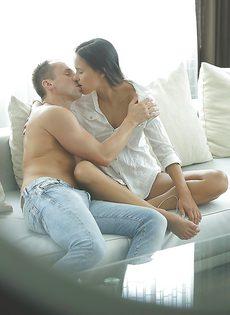 Красивое половое сношение с изумительной подружкой - фото #1