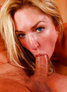 Анальное сношение с восхитительной блондинкой после отсоса - фото #3