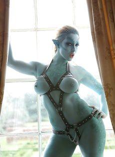 Сексуальная девушка Victoria Summers в роли фантастического героя - фото #1