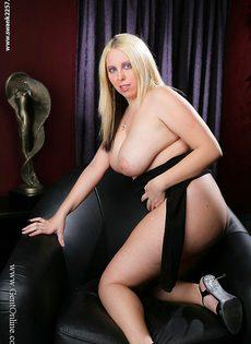 Пышная блондинка с огромной грудью Crystal Rose - фото #9