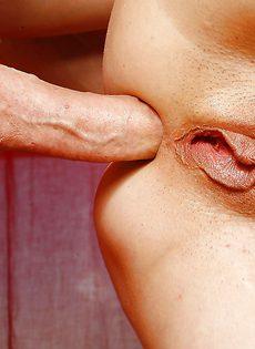 Зрелая женщина попросила любовника об анальном сексе - фото #12