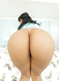 Латинская красавица продемонстрировала большую жопу - фото #3