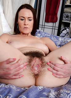 Veronica Snow впустила пенис в волосатую вагинальную щель - фото #14