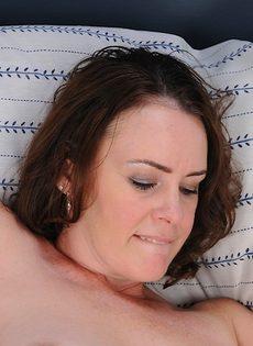 Отымел любимую жену в мохнатую киску и довел ее до оргазма - фото #5