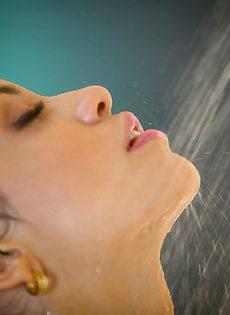 Красивые откровенные фотографии обнаженной милашки - фото #3
