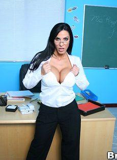 Преподавательнице захотелось секса после пары - фото #3