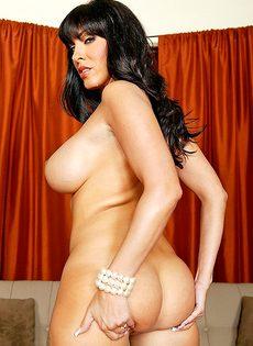 Женщина отсосала большой пенис перед совокуплением - фото #3
