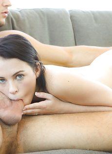Милашка Veronica Radke нежно пососала пенис возлюбленного - фото #5