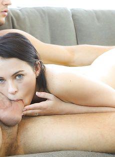 Милашка Veronica Radke нежно пососала пенис возлюбленного - фото #6