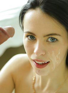 Veronica Radke впустила половой член в выбритую дырочку - фото #14