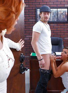 Чувак поимел Веронику Авлув и ее привлекательную подружку - фото #1