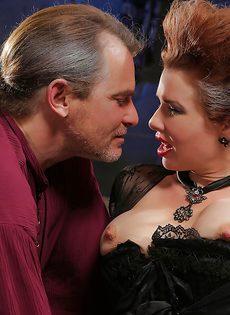 Классный секс с грудастой зрелой женщиной после шикарного отсоса - фото #2