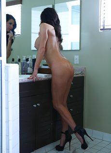 Умопомрачительной бабенке нужен большой крепкий пенис - фото #9