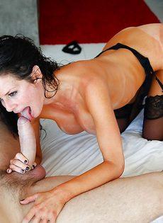 Мощно трахает потасканную женщину Veronica Avluv в пизду - фото #2