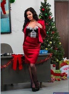 Сучка осталась в офисе и помастурбировала вагинальную дырку - фото #3