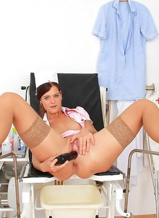 Горячая медсестра немножко развлеклась в больничной палате - фото #8