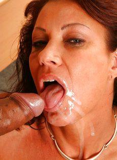 Трахнулась и насладилась спермой полового партнера - фото #13