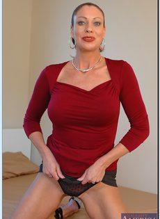 Старушка Vanessa Videl хочет любви и ласки - фото #3
