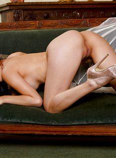 Женственная милашка очень быстро возбудилась - фото #9