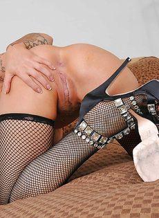 Возбуждающие фотографии умопомрачительной белокурой сучки - фото #14