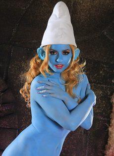 Порно звезда Lexi Belle пересмотрела Смурфиков - фото #11