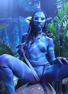 Качественный косплей от известной порно актрисы на Аватар - фото #13