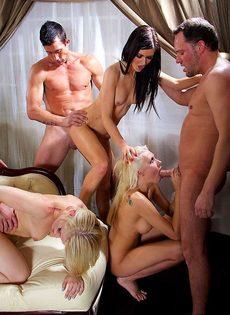 Голливудское секс шоу с начинающими порнозвездами - фото #11