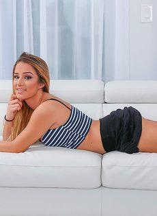 Сочная латинская девушка Mila Marx с шикарным телом - фото #4