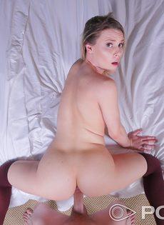 Красотка в чулках перепихнулась и насладилась спермой партнера - фото #9