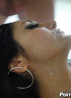 Мамка Ава Аддамс получает большой член в мокрую дырку - фото #15