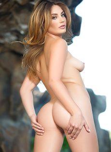 Начинающая модель попозировала обнаженной для мужского журнала - фото #15