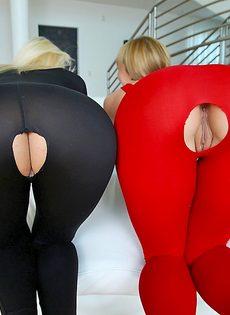 Групповой анальный трах раскрепощенных блондинок - фото #4
