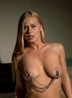Легкий БДСМ с изумительной девушкой с красивой грудью - фото #7