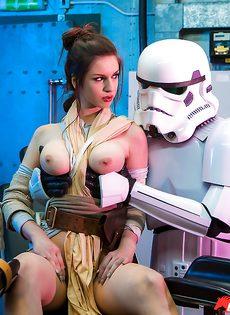 Звездные войны: Stella Cox получает большой член в задний проход - фото #1