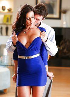 Бабенка Kendra Lust развлекается с темпераментным любовником - фото #4