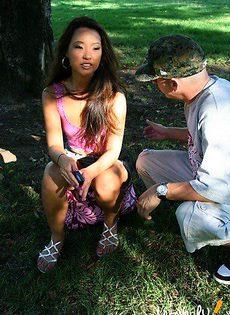 Пригласил бездомную Азиатку к себе домой - фото #2