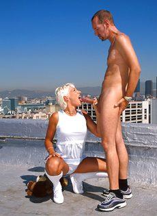 Анальный секс на крыше - фото #34