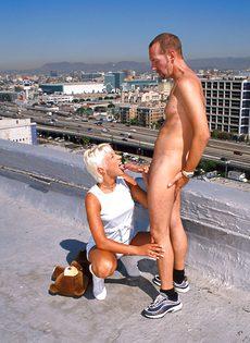 Анальный секс на крыше - фото #53