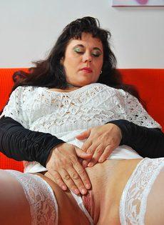 Пикапер довел до оргазма зрелую широкозадую брюнетку - фото #7