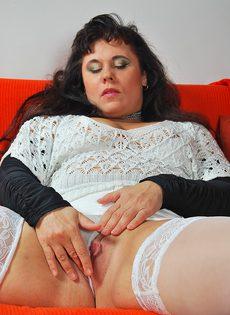 Пикапер довел до оргазма зрелую широкозадую брюнетку - фото #10