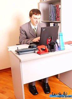 Офисная работница повышает квалификацию