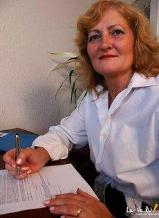 Безумная секретарша на своей работе
