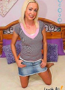 Блондинка сделала себе силиконовые сиськи и сразу же стала порно звездой