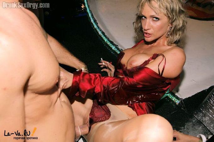 Пьяная секс вечеринка - Pornhub.com