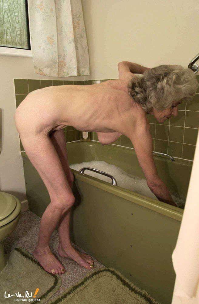 zastal-v-tualete-trahnul