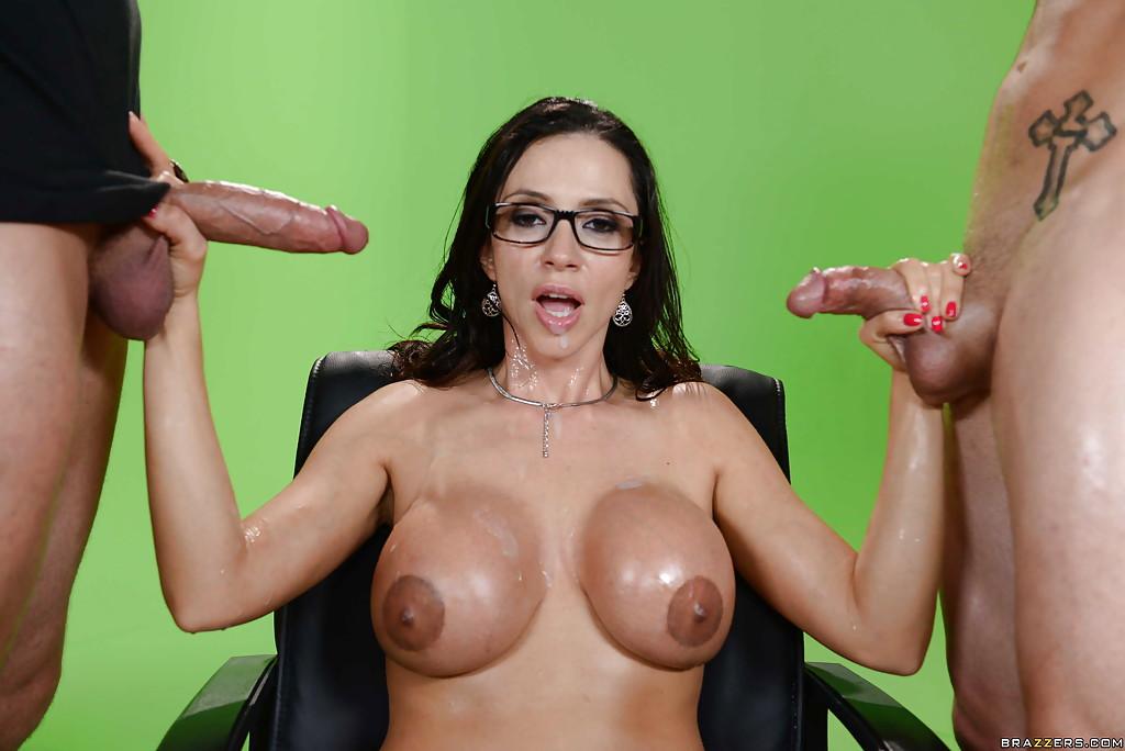 Большие сиськи, огромная грудь, сиси - смотреть онлайн