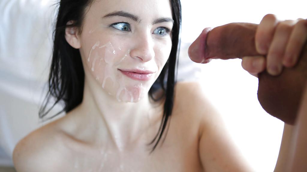 Нежный оральный секс с молоденькой брюнетистой милашкой