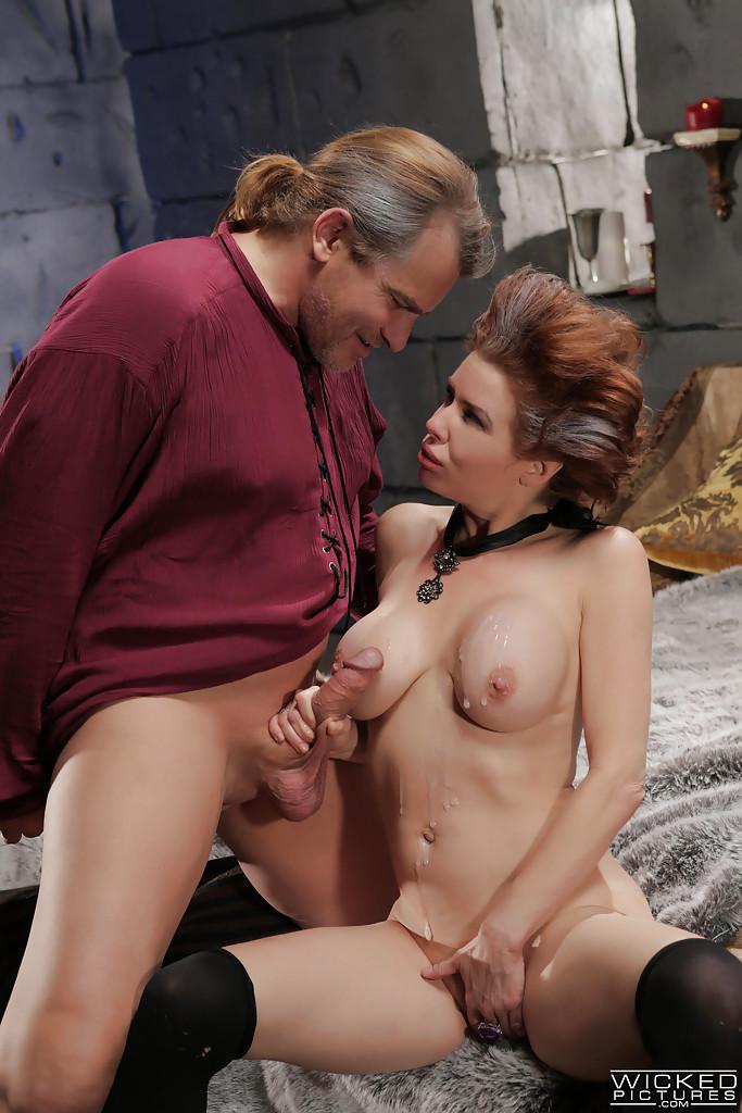 Классный секс с грудастой зрелой женщиной после шикарного отсоса